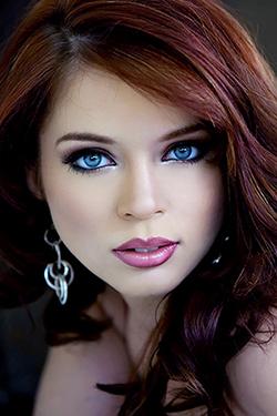 Redhead Teen Jessi Palmer has Stunning Blue Eyes for Twistys