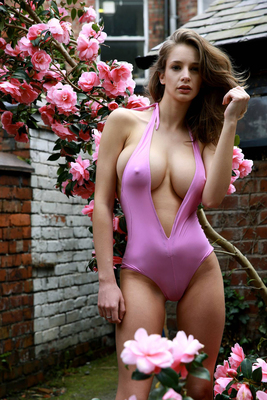 Presenting The Incredible Body Of Emily Shaw - 01