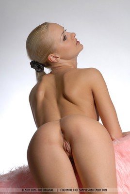 SuperHot Blonde With Shaven Pussy - 10