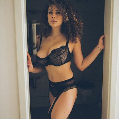 Leila Lowfire Is A Hot Mamasita - 00